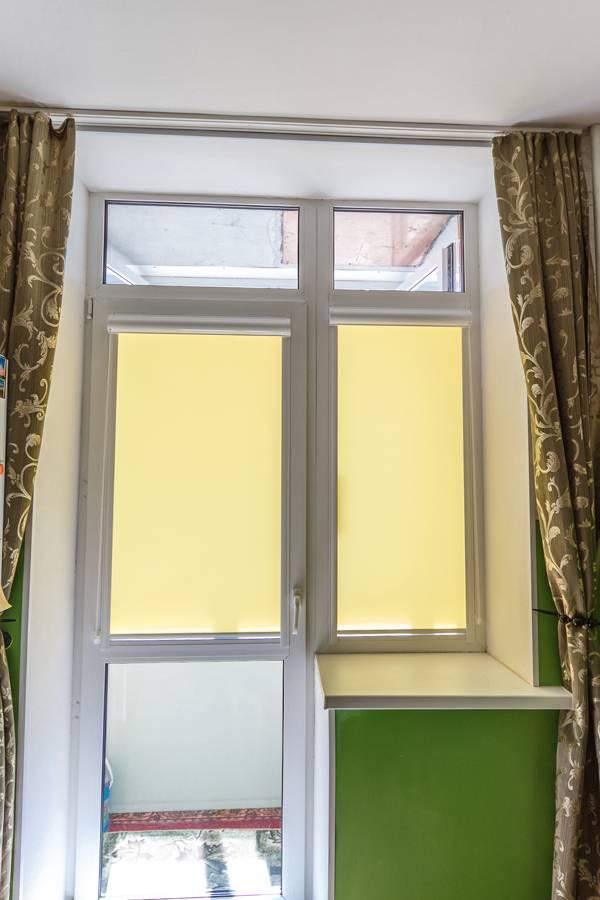 Рулонные шторы на окнах, рис.68