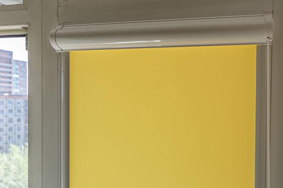 Рулонные шторы на окнах, рис.70